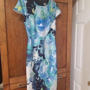 NWOT Vince Camuto Flower Dress, Size 4